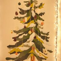 Corner wall painting tree. Image from: http://www.apartmenttherapy.com/15-alternative-christmas-trees-181603