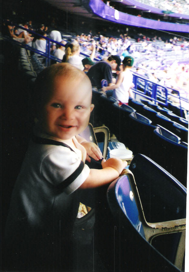 DS cruising the loge section at Shea Stadium, 2001