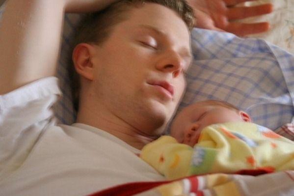 Co sleeping with Dad.