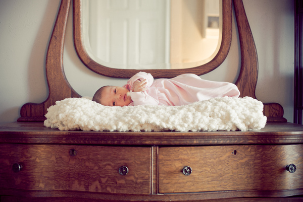JAN_2012_Norah_Pederson_NewbornSession-1.jpg