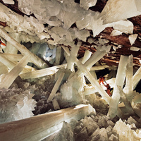crystal-cave-Carsten Peter &amp; Speleoresearch and films .jpg