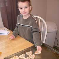 "Making Valentine's Day cookies with ""Tauntie"" (auntie)"