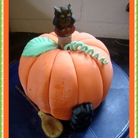 Haloween cake2.JPG