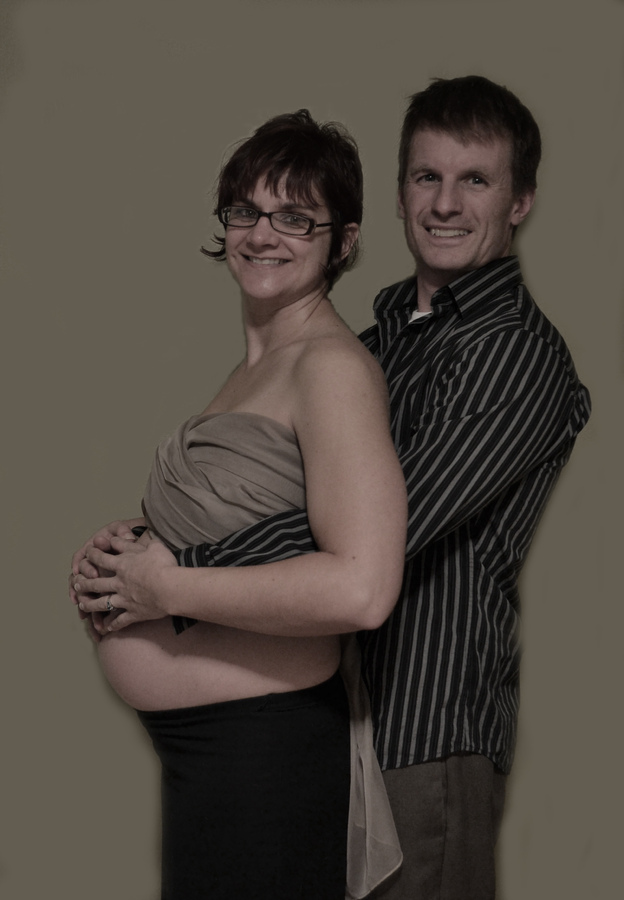 Me and Hubby in Week 28 of our first Baby